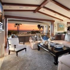 Living room that opens onto the beach?!?Heaven!