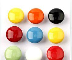 puxador armário bebê colorido vermelho, amarelo, azul, laranja, verde, preto e branco