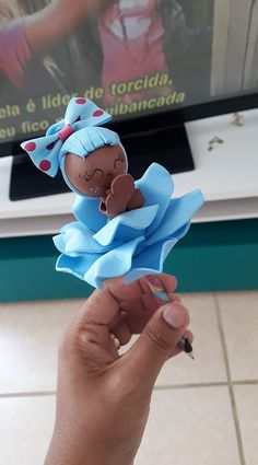 Cd Project, Cd Diy, Clown Party, Pencil Toppers, Arts And Crafts, Diy Crafts, Giant Paper Flowers, Birthday Favors, Mermaid Birthday