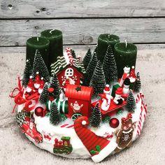 Christmas Deco, Christmas Wreaths, Christmas Crafts, Xmas, Advent Wreath Candles, Deco Mesh, December, Barbie, Holiday Decor