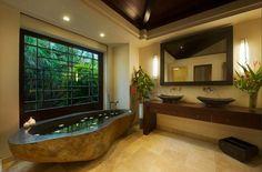 Une des salles de bains design exotique