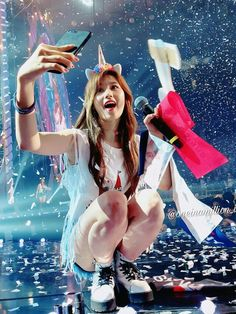 TWICE Sana. Oh dam she has double jointed fingersSana taking selfieSana unicorn şey ediyo z. Kpop Girl Groups, Korean Girl Groups, Kpop Girls, Extended Play, Sana Kpop, Tzuyu Body, Sana Cute, Twice Tzuyu, Warner Music