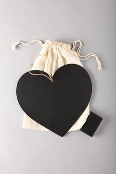 Heart chalk board... this would be an easy party favor.