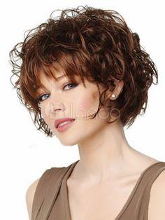 Coupe de cheveux court ondulé femme