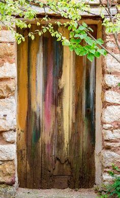 Roussillon, France·