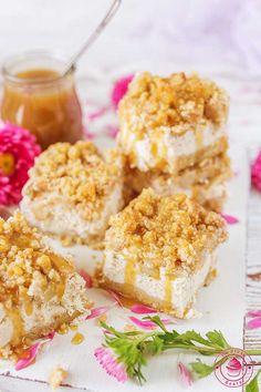 Cynamonowy sernik z jabłkami Krispie Treats, Rice Krispies, Toffee, Food, Sticky Toffee, Candy, Essen, Meals, Rice Krispie Treats