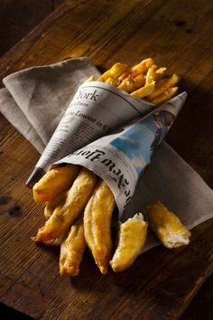 To Make Chef Daniel Humm's Fish And Chips How To Make Chef Daniel Humms Fish And Chips --sweet Jesus! Those look magical!How To Make Chef Daniel Humms Fish And Chips --sweet Jesus! Those look magical! Fish And Chips, Fish Recipes, Seafood Recipes, Great Recipes, Cooking Recipes, Fish Dishes, Seafood Dishes, Fish And Seafood, Antipasto