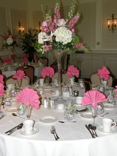 Beautiful pinks and whites for a spectacular wedding.