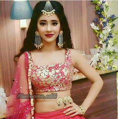 Rashikaprajapat@gmail.com Indian Tv Actress, Beautiful Indian Actress, Indian Actresses, Indian Attire, Indian Wear, Indian Outfits, Indian Gowns, Girl Fashion, Fashion Show