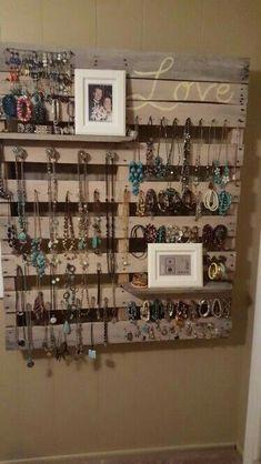 Pallet jewelry display organization #JewelryOrganizer