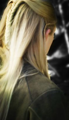 Legolas...He's soo hot from any angle. That hair tho