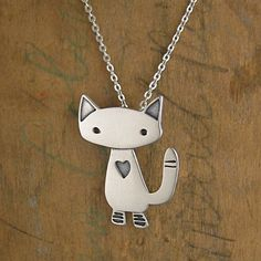 Alley Cat Necklace Sterling Silver Cat Pendant by marmar on Etsy Cat Jewelry, I Love Jewelry, Silver Jewelry, Jewlery, Silver Rings, Image Chat, Cat Necklace, Necklace Charm, Charm Bracelets