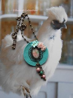 """Collier mi long romantique à pampilles - Pastel - Pastille crochetée - Camée """"dentelle"""" -  Fleurs - Perles magiques - Chaine perlée - Turquoise,"""