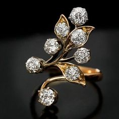Art Nouveau jewelry - antique Nouveau diamond flower ring #jewelryringsgifts #antiquejewelry #GoldJewelleryArtNouveau #jewelryantique