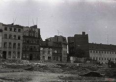 1949 , Krzywa Wieża i dawne koszary Szkoły Morskiej Autor: Stanisław Wajnikonis