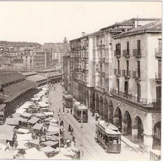Tranvia dee Bilbao en la Plaza del Mercado
