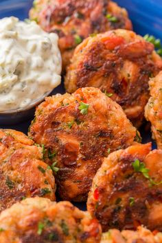 These salmon patties are flaky, tender and so flavorful with crisp edges and big bites of flaked salmon. Easy salmon patties that always disappear fast! Canned Salmon Patties, Fried Salmon Patties, Salmon Croquettes, Salmon Patties Recipe, Healthy Salmon Patties, Baked Salmon Recipes, Fish Recipes, Seafood Recipes, Cooking Recipes