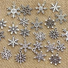 Antique Snow Metal Charms DIY Jewelry Making 100pcs     FREE Shipping Worldwide     https://fashjewels.de/pulchritude-mixed-100-pcs-snow-charms-ndants-beads-metal-alloy-pandent-plated-antique-silver-christmas-charm-diy-t0467/