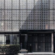 La maison de verre #pierrechareau #architecture #paris