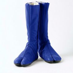 Blue Sandal Toe Boots: Inspired by Jikatabi, Japanese carpenter's shoes. #Boots #Toe_Boots