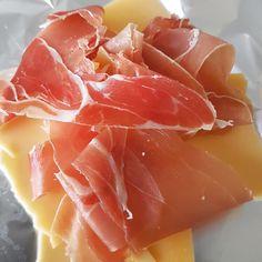 Tussendoortje: Rauwe ham en belegen kaas