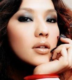 Asian Eye Makeup Tips Asiatische Augen Make-up Tipps Related posts: Asian / Eye Makeup Tips Asian Women Asian Makeup Looks, Korean Eye Makeup, Eye Makeup Tips, Makeup Trends, Makeup Ideas, Clean Makeup, Makeup Guide, Dramatic Eye Makeup, Dramatic Eyes