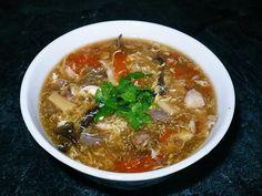 Strááášne veľa surovín a dlhý postup. Na čínsku ostrokyslú polievku je na webe 1000 receptov. Musíte si vyskúšať, ktorý je ten Váš. Chcete si u nás prečítať aj vlastný recept? Pošlite nám ho a zapojte sa do súťaže o najlepší re Suroviny 4 ks – kuracie krídla 2 ks – morčacie žalúdky 2 ks – bujón kurací, zeleninový, akýkoľvek 15
