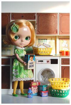 Mimosa picks out washing powder. | von Xie Kitchen