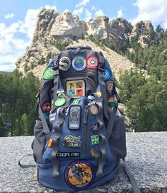 Not hard to tell this person is a geocacher. Does anyone else have geocaching buttons or patches on their caching bag? (pic by cameala) Adventure Bucket List, Family Adventure, Outdoor Fun For Kids, Celebration Quotes, Geocaching, Cub Scouts, Jansport Backpack, Funny Design, The Great Outdoors