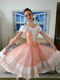 Peach Swanhilda costume for the ballet Coppelia por VariationsTutus.
