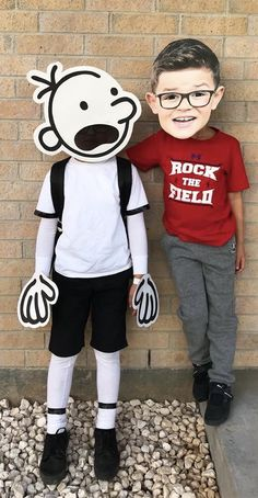 Diary of a wimpy kid costume! The Effective Pictures We Offer You About Wimpy Kid Costume diy A quality picture can tell you many thing Boys Book Character Costumes, Book Character Day, Character Dress Up, Children's Book Characters, Book Costumes, World Book Day Costumes, Book Week Costume, Storybook Characters, Best Kids Costumes
