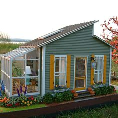 Cute small scale cottage...looks so real!