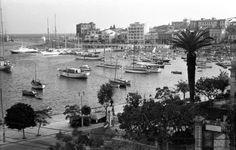 Πασαλιμανι1964 Greece Pictures, Old Pictures, Old Photos, Vintage Photos, Athens Greece, Old City, Old Town, San Francisco Skyline, Past