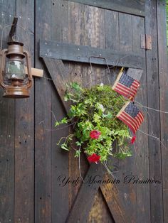 "York Mountain Primitives: My latest build & a ""Living Wreath"" tutorial"
