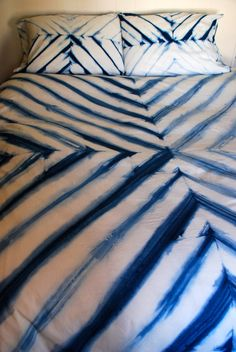 hand dyed indigo bedding duvet by riversidetoolanddye on Etsy Tie Dye Bedding, Duvet Bedding, Fabric Painting, Fabric Art, Tie Dying Techniques, Tie Dye Crafts, Shibori Tie Dye, Small Bedroom Designs, Tie Dye Shirts