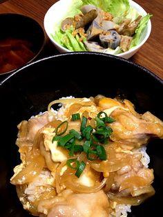 片栗粉を始めに鶏にまぶしてから作ると美味しいね(^O^) トロっとツユダク♪ - 20件のもぐもぐ - 親子丼 と 根菜サラダ by yyyu1238