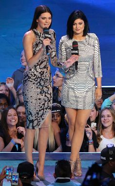 Loving Kendall and Kylie Jenner's patterned looks at the 2014 MuchMusic Video Awards.