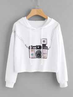 Mode-Crop-Pullover im - Iconic Trendz Boutique Sweatshirts Online, Printed Sweatshirts, Hooded Sweatshirts, Hoodies, Teen Fashion Outfits, Outfits For Teens, Girl Outfits, Style Fashion, Fashion Tips