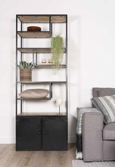 Vakkenkast Vic - Artikelen - Loods 5 - Lilly is Love Elegant Living Room, Industrial Chic, Ladder Decor, Living Room Decor, Cool Things To Buy, Home Goods, Bookcase, Indoor, Shelves
