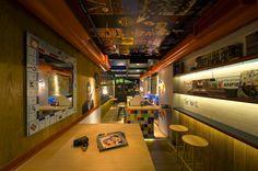 RE Cafe and Dining Bar by Minas Kosmidis, Thessaloniki Greece restaurant cafe Cafe Bar, Philippine Houses, Greece Hotels, Unique Restaurants, Thessaloniki, Design Furniture, Model Homes, Retail Design, Resort Spa