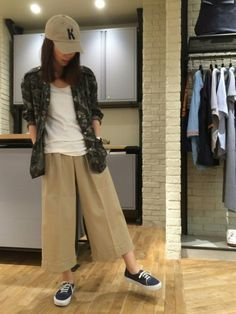 kimuさんの(HYSTERIC GLAMOUR)を使ったコーディネート How To Wear, Pants, Style, Fashion, Sun, Trouser Pants, Swag, Moda, Fashion Styles