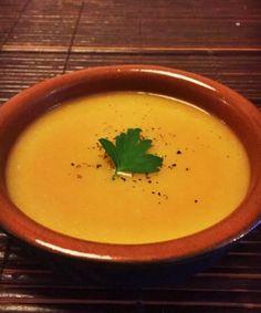 Knolselderijsoep met wortel. Heel lekker van smaak maar te dik. Dubbel zoveel water en bouillon gebruikt