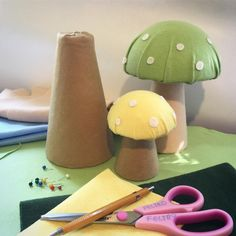 You're sprouting mushrooms here in the atelier. Baby First Birthday, 1st Birthday Parties, Ben E Holly, Enchanted Forest Party, Tinkerbell Party, Fairy Birthday, Bambi, Wonderland Party, Diy Party Decorations