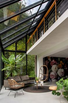 this triangular shaped house makes room for an interior garden 10 - censiblehome Dream Home Design, Modern House Design, My Dream Home, Home Interior Design, Interior Architecture, Interior Garden, Sustainable Architecture, Contemporary Architecture, Glass House Design