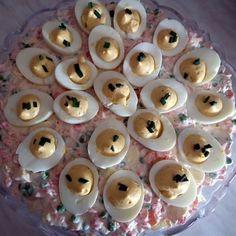 Kaszinótojás franciasalátával Recept képpel - Mindmegette.hu - Receptek Hungarian Recipes, Hungarian Food, Doughnut, Bacon, Cooking, Desserts, Kitchen, Tailgate Desserts, Deserts