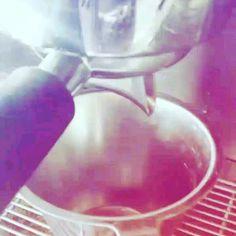 """32 """"Μου αρέσει!"""", 2 σχόλια - Μια γλυκιά ιστορία (@glikiaistoria) στο Instagram: """"#sweetstory #glikiaistoria #sweet #oldfaliron #palaiofaliro #icecreamshop #coffee #coffeelovers"""""""