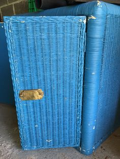 Suitcase, Toronto, Wallet, Pocket Wallet, Suitcases, Handmade Purses, Diy Wallet, Purses