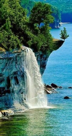 Spray Falls ~ Pictured Rocks National Lakeshore, between Munising and Grand Marais, Michigan. Located in the Upper Peninsula of Michigan - landscape photography Beautiful Waterfalls, Beautiful Landscapes, Places Around The World, Around The Worlds, Beautiful World, Beautiful Places, Amazing Places, Beautiful Pictures, Beautiful Scenery