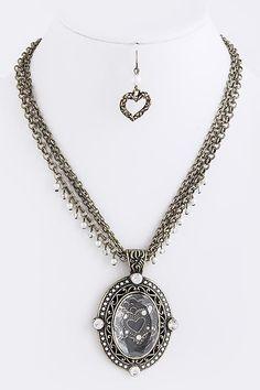 DivaByDzine - Victorian Ornament Necklace Set, $15.00 (http://www.divabydzine.com/victorian-ornament-necklace-set/)