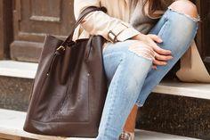 """""""Y las bailarinas en el bolso"""" lleva bolso de piel Robert Pietri.  #RobertPietri #Handbags #MadeinSpain #HechoEnEspaña #blogs #moda #tendencias #ylasbailarinasenelbolso"""